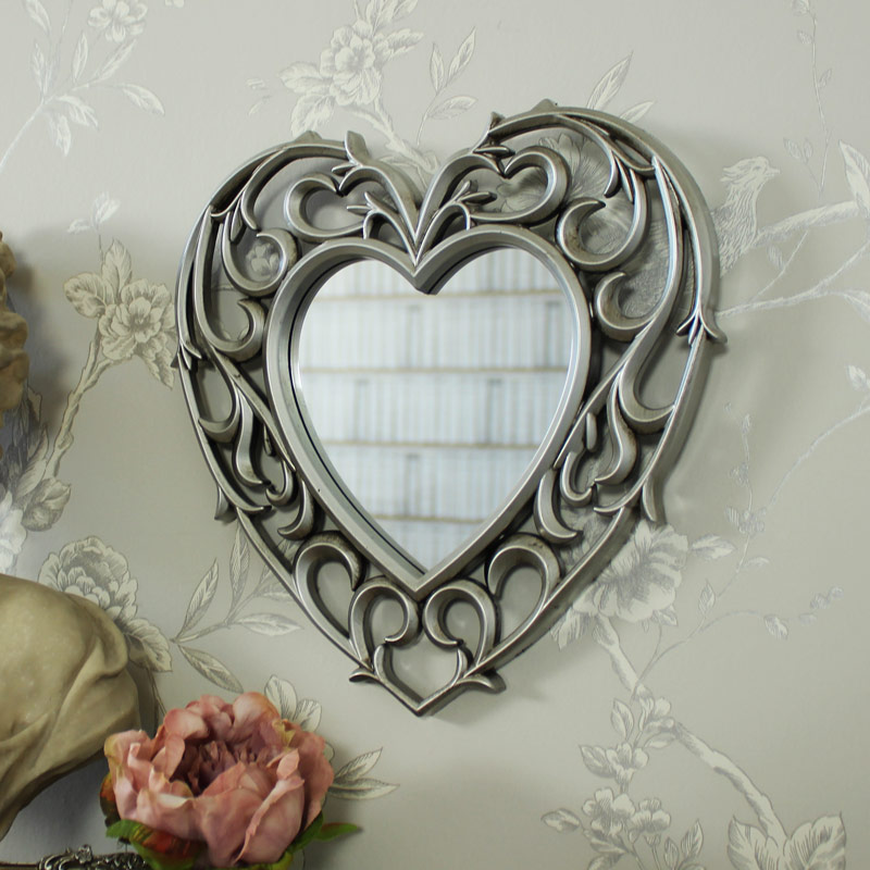 decorative-silver-filigree-heart-shaped-wall-mounted-mirror_MM24937[1]