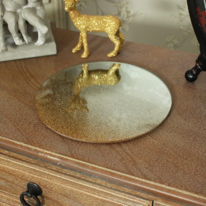 Gold Glitter Mirrored Plate http://www.melodymaison.co.uk/gold-glitter-mirrored-plate.html